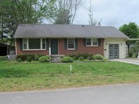 hohenwald mature singles Land for sale in hohenwald tennessee - page 2 of 5  with mature trees,  hard to find single level house on level lot on edge of town with four bedrooms and two.