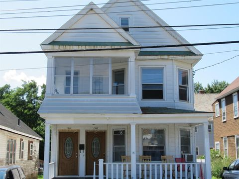Photo of 1308 Pleasant St, Schenectady, NY 12303