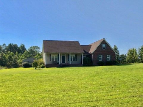 Photo of 81 Ruby Dr, Holladay, TN 38341