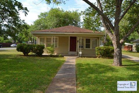1031 E Weinert St, Seguin, TX 78155