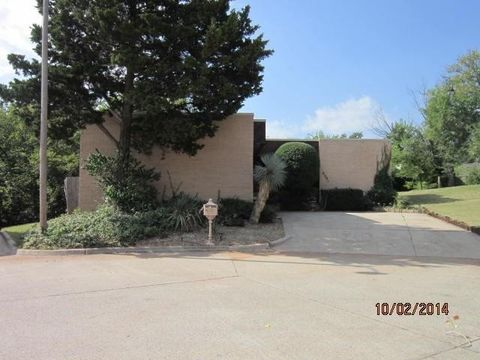 9301 Broughton Ct, Oklahoma City, OK 73132
