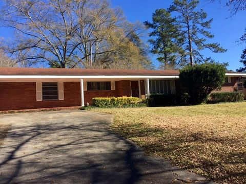 Photo of 633 W Holly St, Magnolia, MS 39652