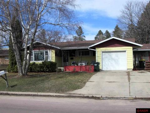 Photo of 615 N 11th Ave, Saint James, MN 56081