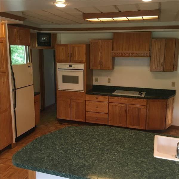 474 Sankey Ln, New Castle, PA 16105