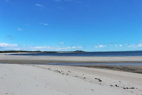 9 Meadow Shores Rd, S Dartmouth, MA 02748
