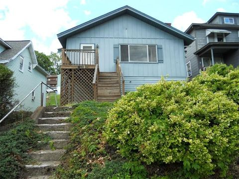 312 National Pike E, Brownsville, PA 15417