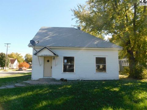 Photo of 111 N 5th St, Canton, KS 67428
