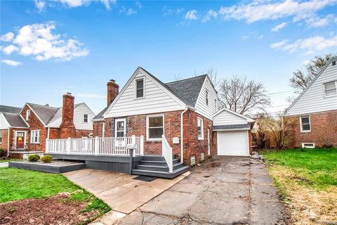 Photo of 92 Mapleview Rd, Cheektowaga, NY 14225