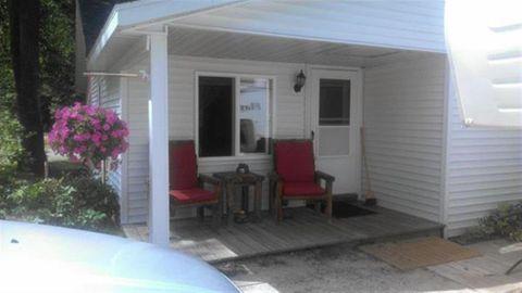 151 Columbus Ave, Houghton Lake, MI 48629