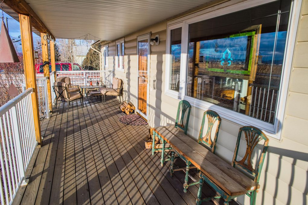2725 Valley Dr, East Helena, MT 59635