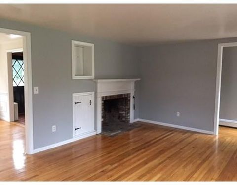 9 Wing Rd, Bourne, MA 02559