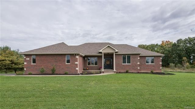 8697 Mangrove Way, Putnam Township, MI 48169