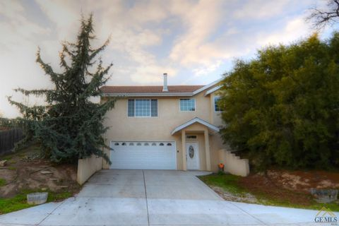 Photo of 1343 L St, San Miguel, CA 93451