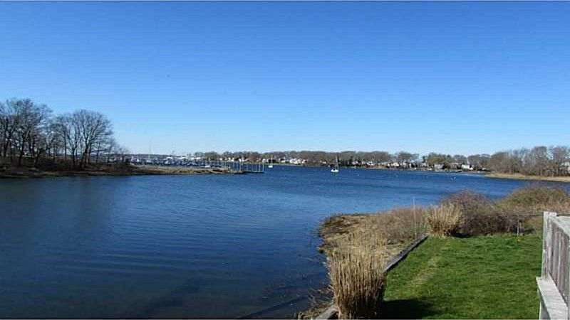 46 Beach Point Dr Riverside Ri 02915 Realtor Com 174