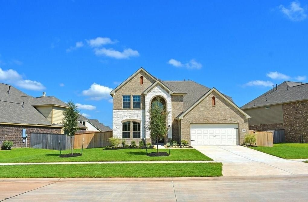 2423 Flowering Brook Ln Sugar Land, TX 77479