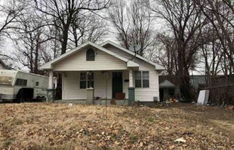 Photo of 1339 E Blaine St, Springfield, MO 65803