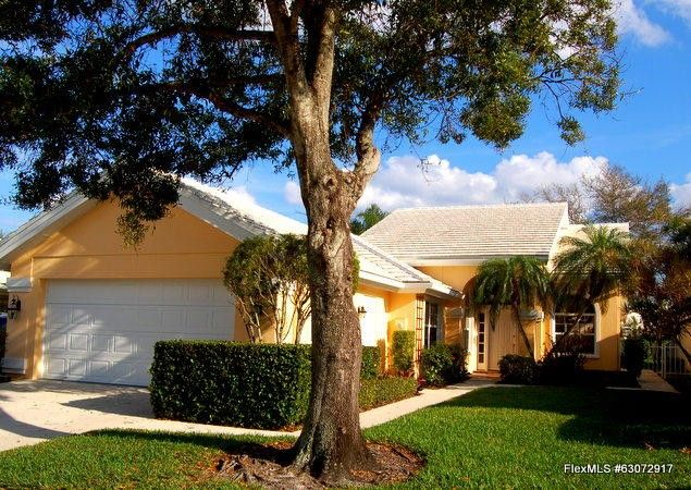 2750 Meadowlark Ln West Palm Beach, FL 33409