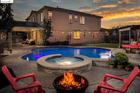 Photo of 10 Solstice Ct, Oakley, CA 94561
