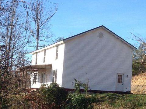 367 Allen Dr, Salyersville, KY 41465