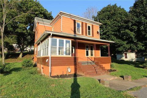 Photo of 702 E Penn Ave, Pennsboro, WV 26415