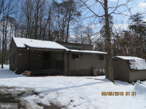Photo of 1156 The Woods Rd, Hedgesville, WV 25427