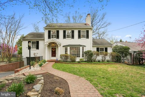Photo of 7404 Wyndale Ln, Chevy Chase, MD 20815
