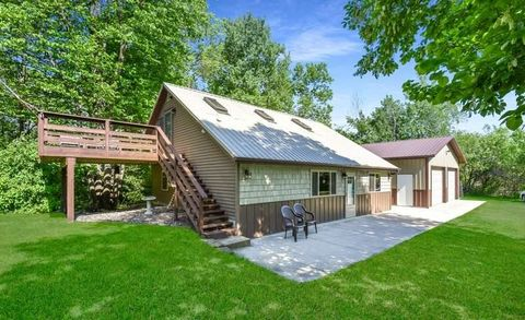 4963 Walnut Rd, Isle, MN 56342