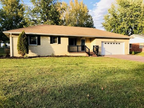 851 E Burford St, Marshfield, MO 65706