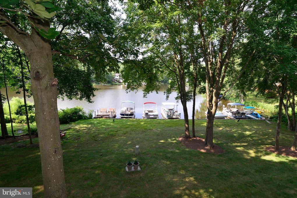 2268 Cedar Cove Ct Reston, VA 20191