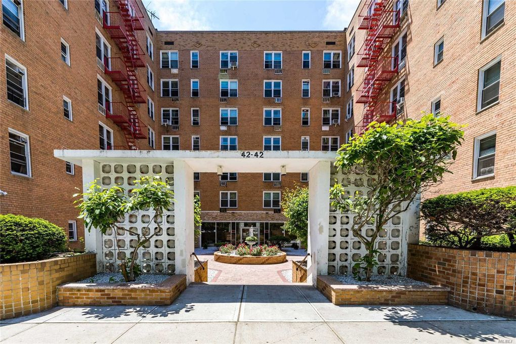 42-42 Colden St Unit D8 Flushing, NY 11355