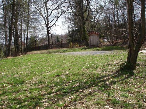 Photo of 38 Winding Ln, New Providence, PA 17560