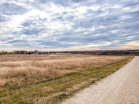 Photo of 2 Ac Mockingbird Ln, Mount Calm, TX 76673