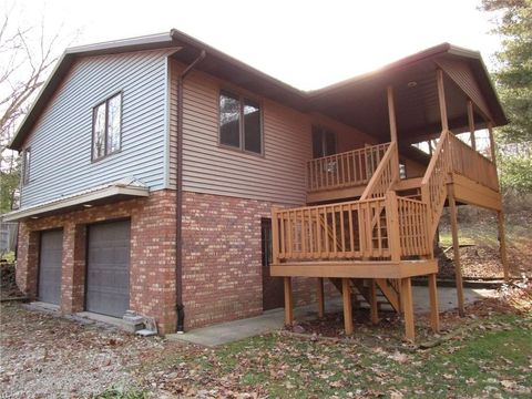 Photo of 7599 Eberhart Rd Nw, Bolivar, OH 44612