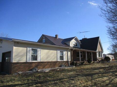 1906 Mitchells Xrds, Hillsville, VA 24343