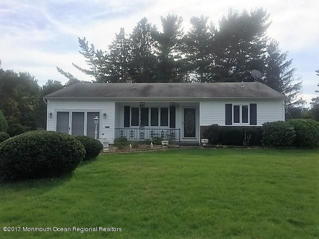 26 Chancellor Ct, Toms River, NJ 08757