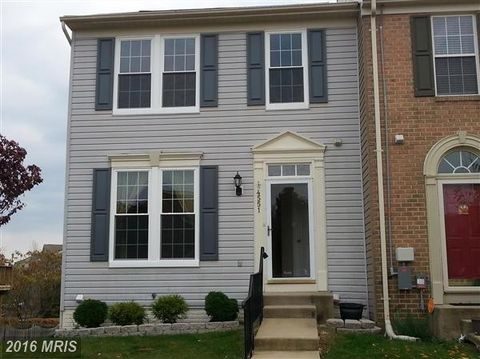4551 Golden Meadow Dr, Perry Hall, MD 21128