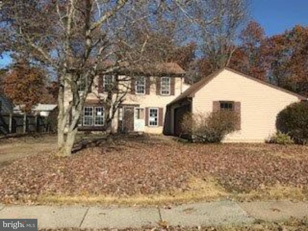 1763 Forest Dr, Williamstown, NJ 08094