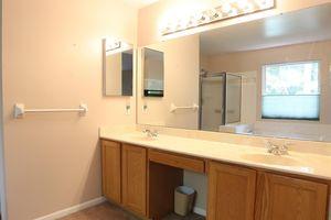 1103 Springridge Ct, Miami Township, OH 45150 - Bathroom