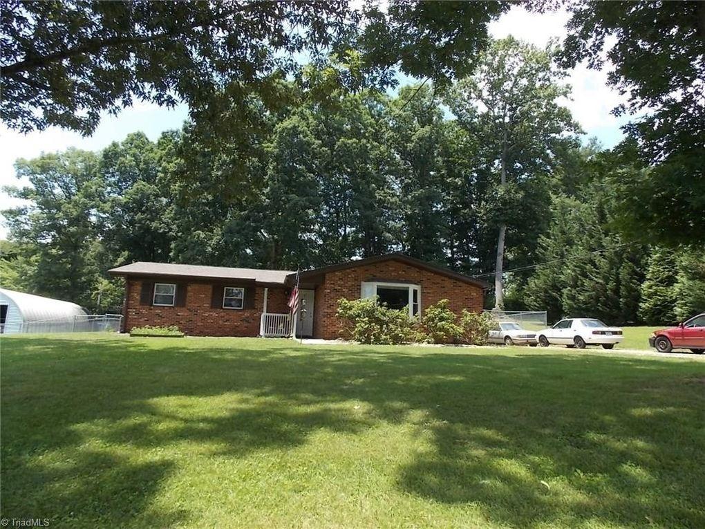 135 Carolina Rd Mount Airy, NC 27030