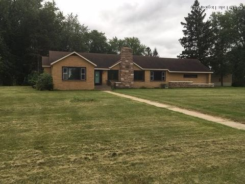 303 Irving Ave Sw, Wadena, MN 56482