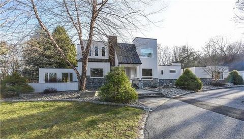 211 Ferris Hill Rd, New Canaan, CT 06840