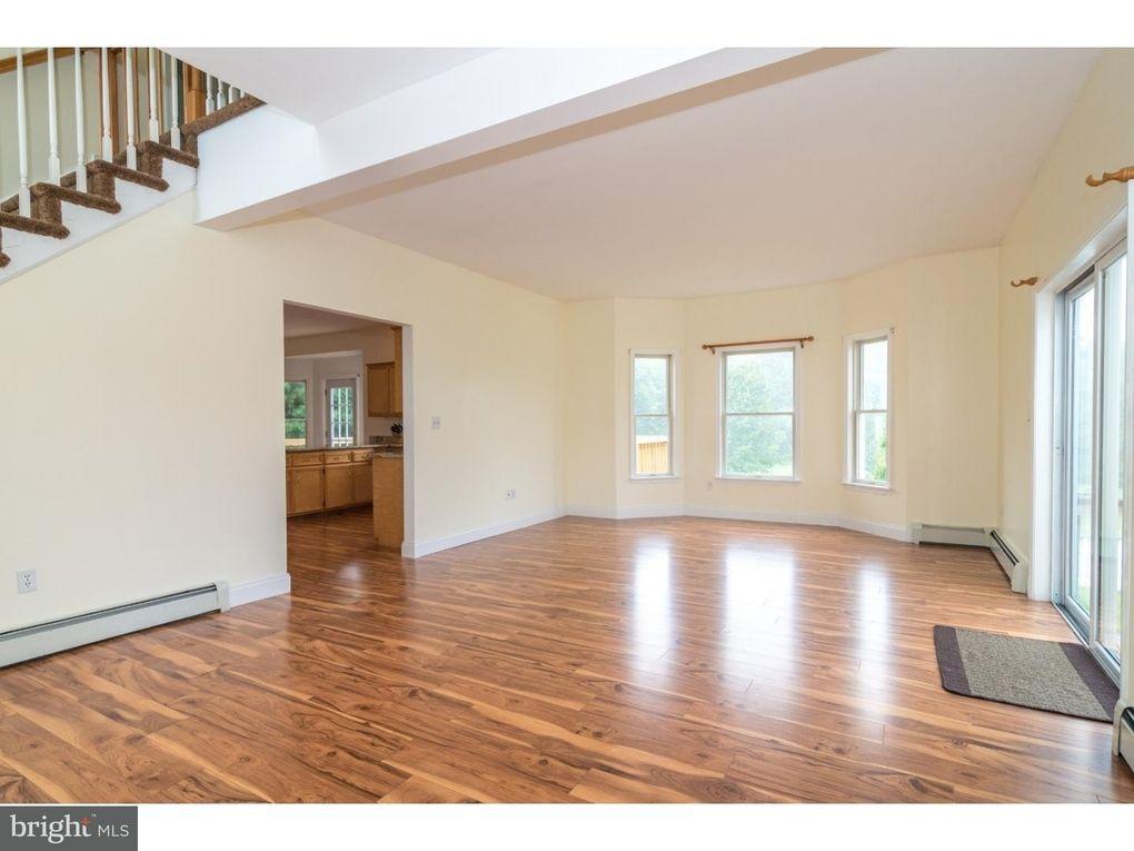 2935 Morgan Hill Rd, Easton, PA 18042