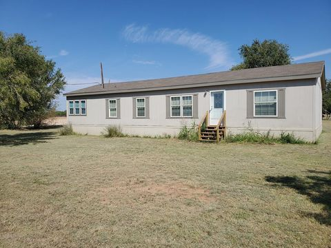 Photo of 2405 Merrill Ave, Snyder, TX 79549
