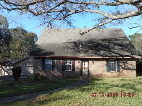 Photo of 9254 Hamilton Creek Dr, Mobile, AL 36695