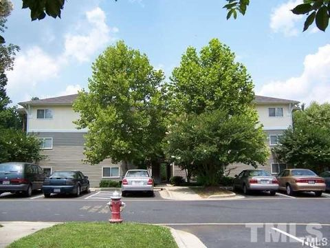 303 Smith Level Rd Apt D23, Chapel Hill, NC 27516