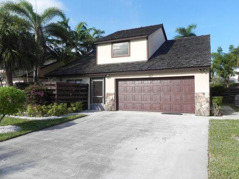 117 Beaumont Ln, Palm Beach Gardens, FL 33410