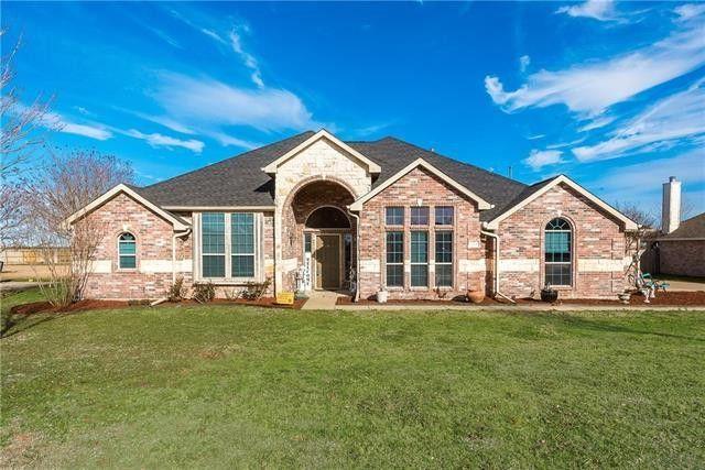 224 Kings Ct, Waxahachie, TX 75165