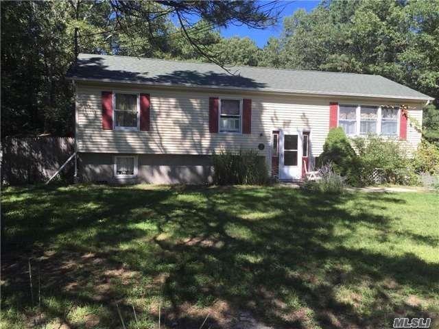 41 Elizabeth Way, Ridge, NY 11961