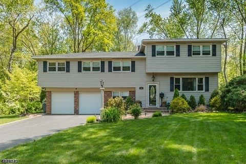 Photo of 132 Robbins Ave, Berkeley Heights Twp, NJ 07922