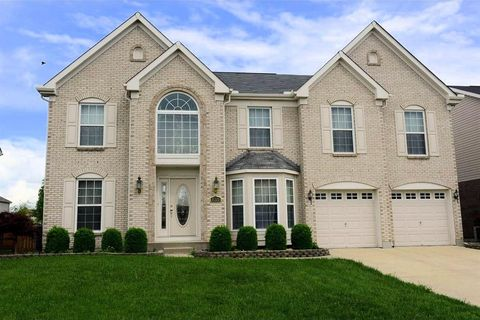 8222 Misty Shore Dr, West Chester, OH 45069